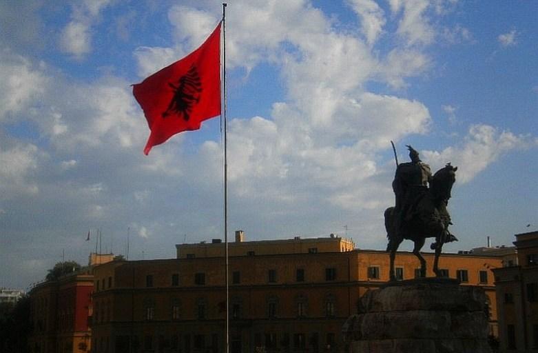 Enver Hodża i tyrania w Tiranie