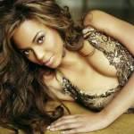 Beyonce's handwriting says she is nurturing & creative
