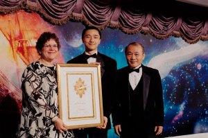 Ken Liu (center) on stage with Nina Kiriki Hoffman and Dr. Yoji Kondo.
