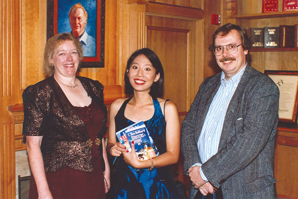 Previous WotF winners Jo Beverley and James Alan Gardner with Melissa Yuan-Innes