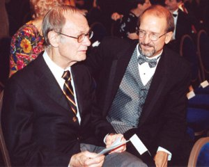 Astronomer Dr. Robert Jastrow with WotF judge Dr. Doug Beason