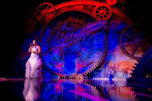 Opening performance by American Idol finalist Kimberley Locke.