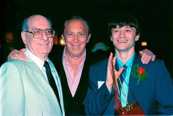 Julius Schwartz, Bob Kane with Gold Award winner Sergey Poyarkov