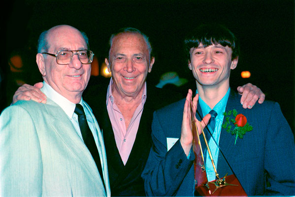 Julius Schwartz, Bob Kane with Gold Award winner Sergey Poyarkov