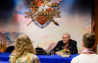 Dr. Jerry Pournelle speaking at the Writers Workshop