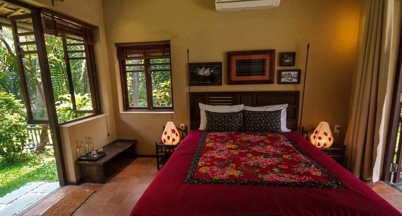 Meditation Retreat Vietnam - Write Your Journey: An Villa Boutique Resort Hoi An, Studio Apartment with cozy Kingsize Bed facing the garden