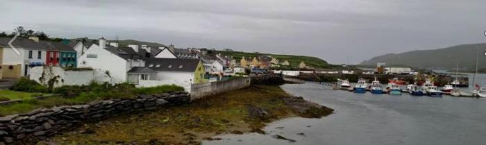 While at the Valentia Island festival with the Tullamore Rhymers, I took a walk around the nearby village of Portmagee, where I learned of this story of a Breton New Year tradition...