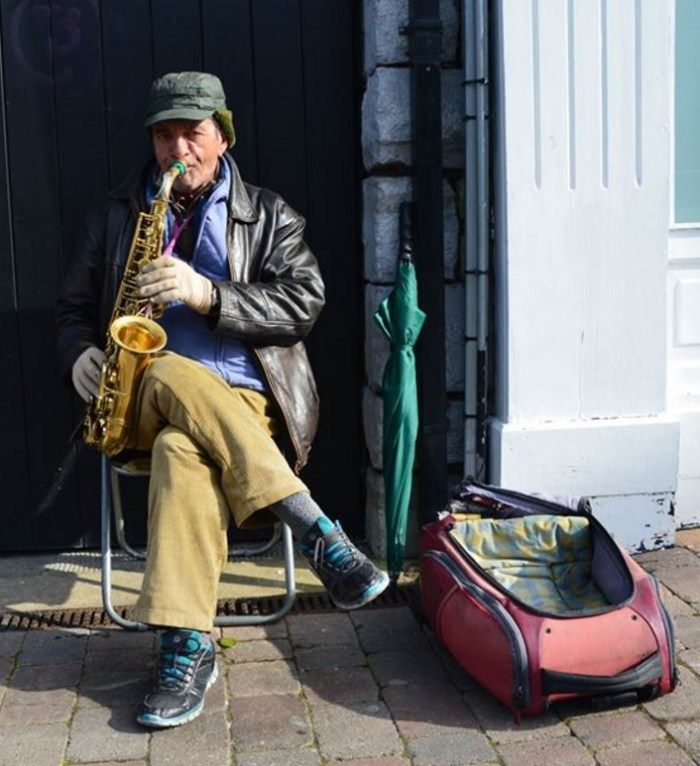 This busker plays on the streets of Longford. Photo by Lalin Swaris.