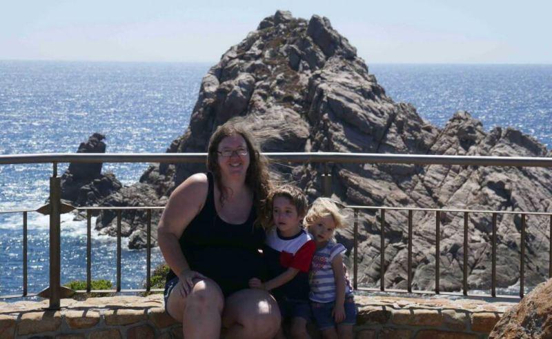 mum and kids Sugarloaf Rock Yallingup