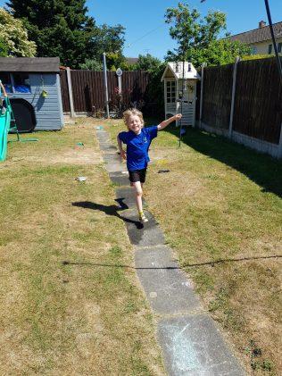 Arthur takes part in the Mini Games