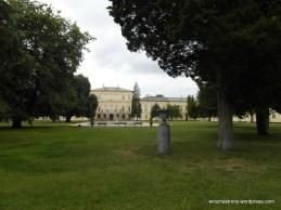 Pałac widziany od bramy