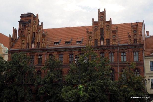 Budynek poczty w Toruniu
