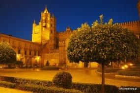 Katedra w Palermo nocą