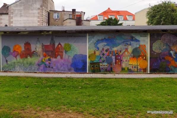 Murale na tyłach garaży w Strzelcach Krajeńskich