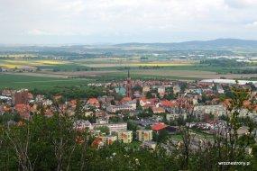 Widok z Góry parkowej na Bielawę i Masyw Ślęży