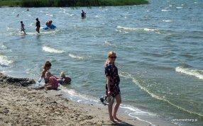 Plaża nad Zalewem Wiślanym we Fromborku