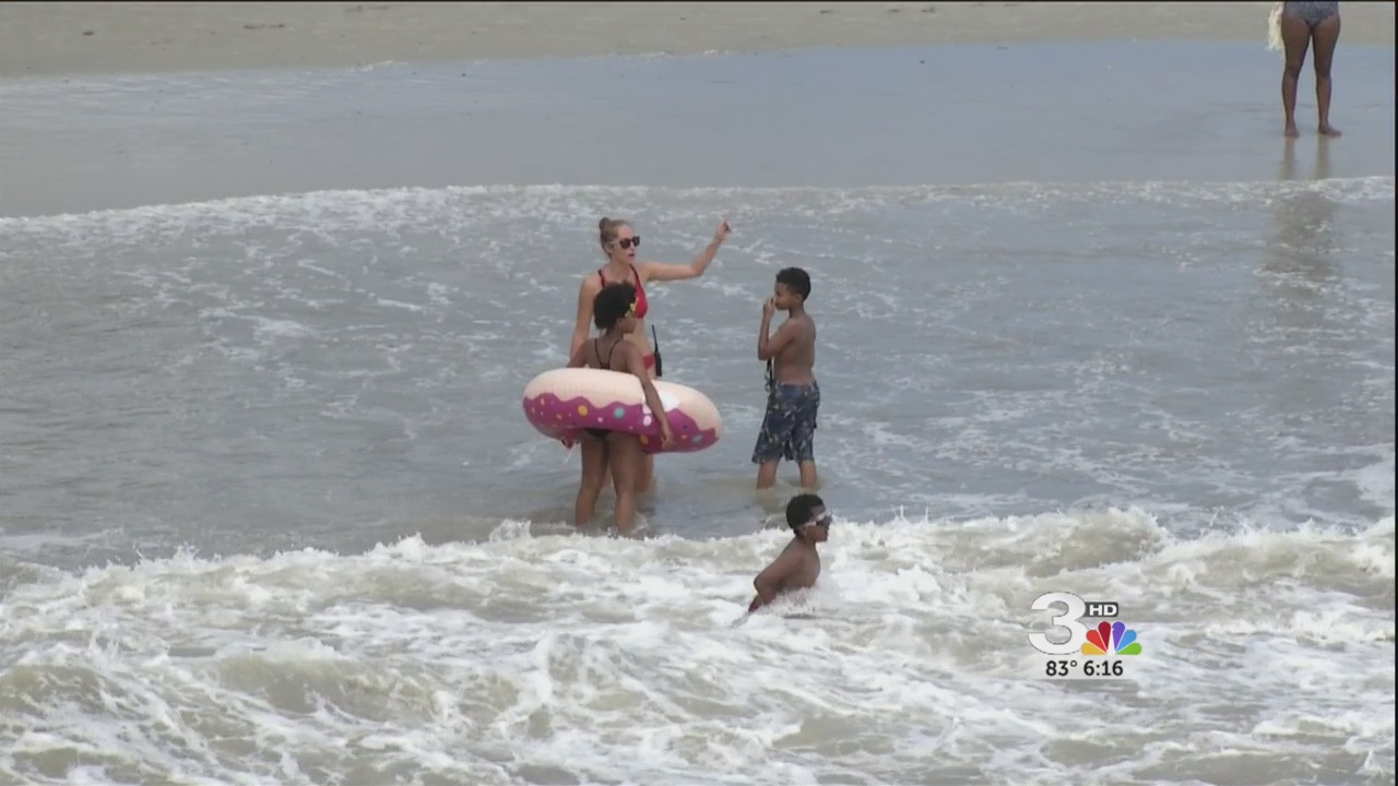 Lifeguards urge compliance_278179