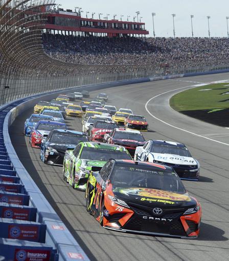 NASCAR Fontana Auto Racing_381487