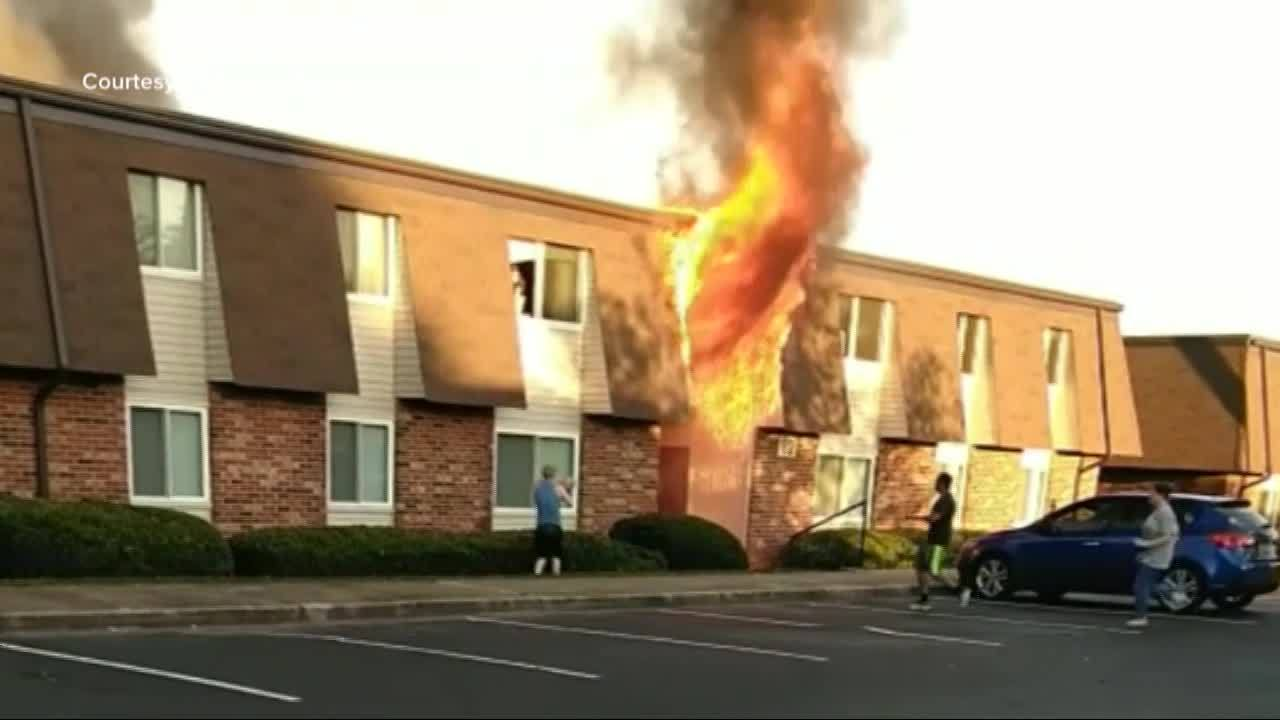 Baby_Tossed_From_Burning_Building_in_SC_0_20180607144525