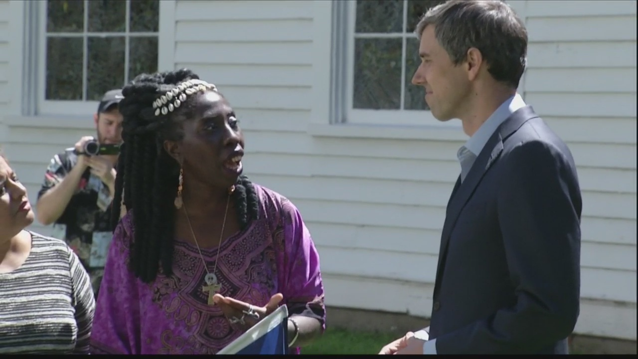 Beto O'Rourke talks to Gulllah Geechee community in Beaufort
