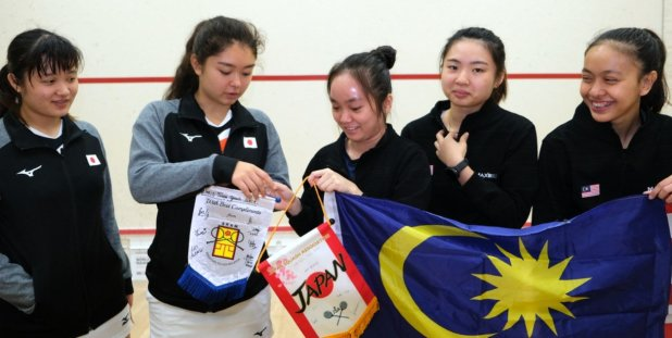 Malaysia start strongly but Aussies steal the show