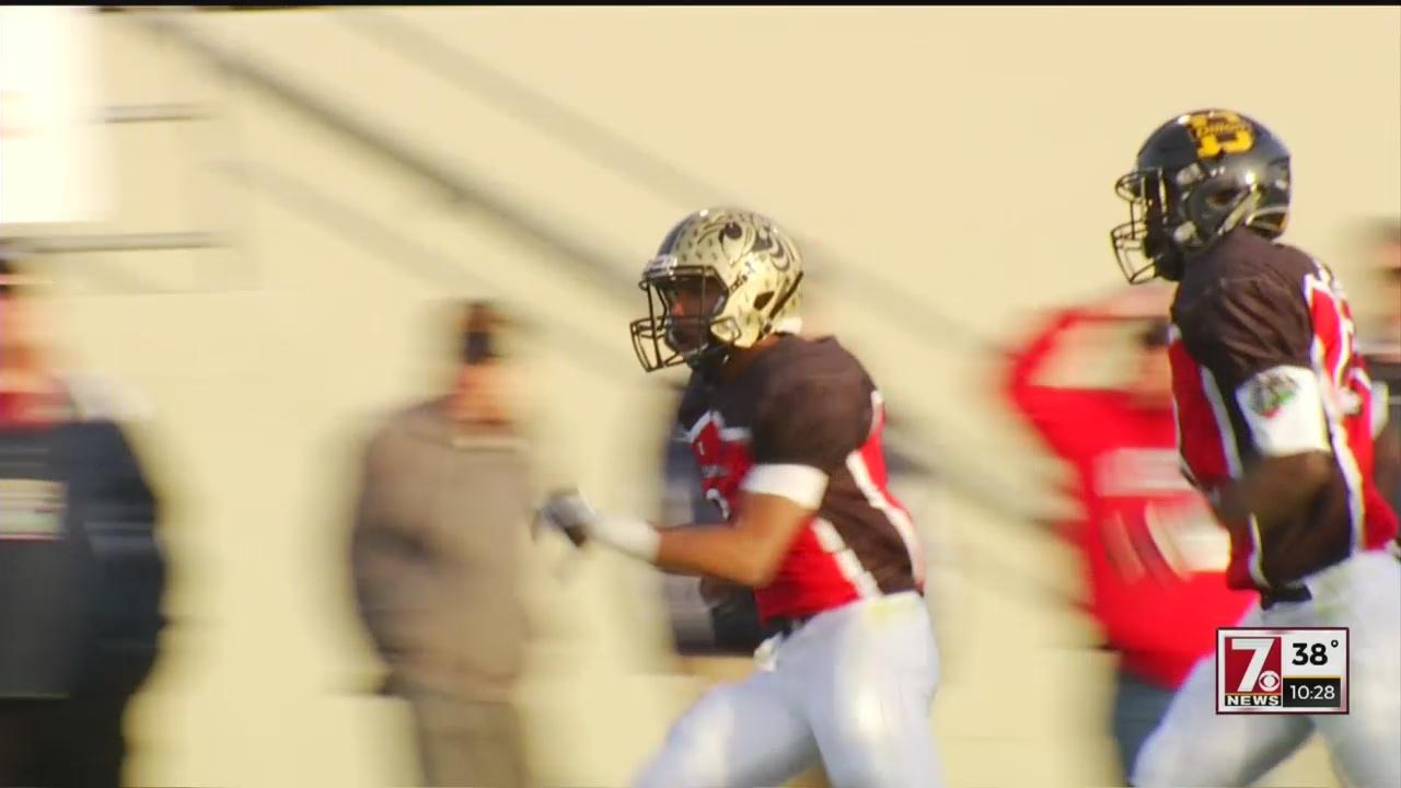 North Carolina Defeats South Carolina in the Shrine Bowl, 55-24