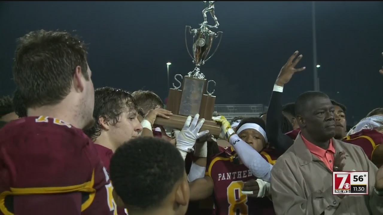 Abbeville Scores 14 Points in the 4th Quarter to Defeat Bamberg-Ehrhardt for the 2-A State Title, 14-7