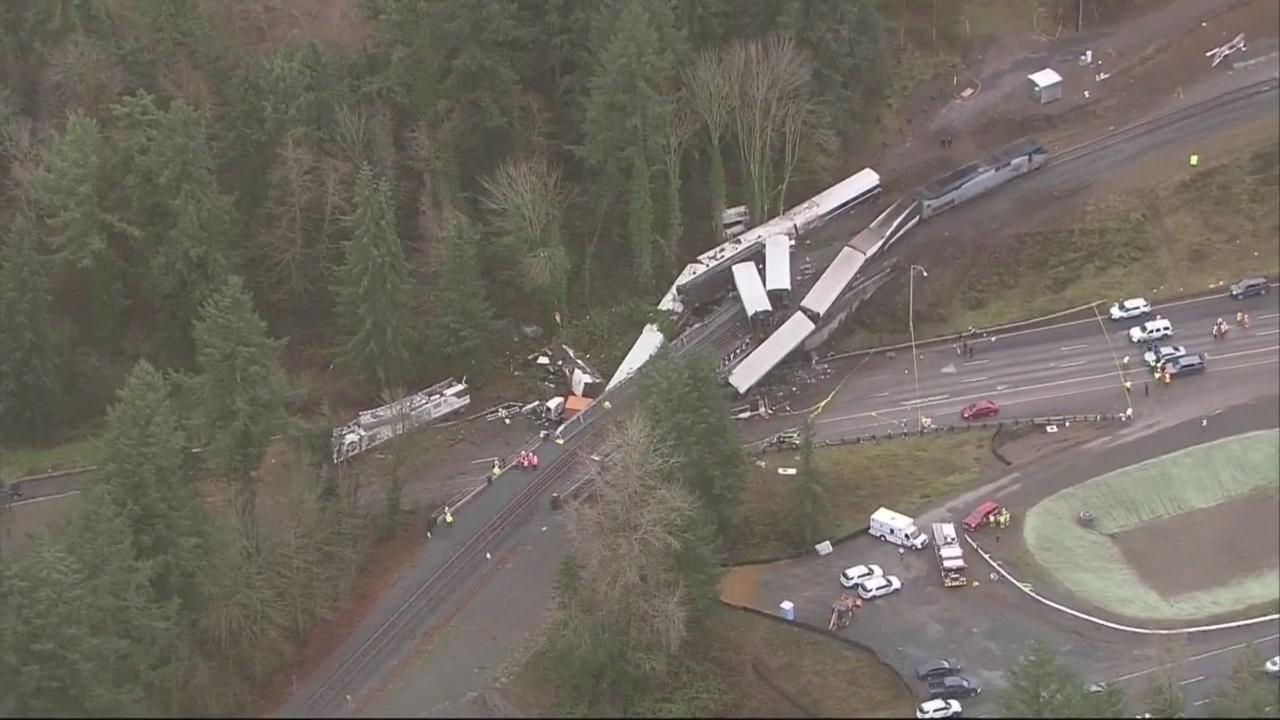 train derailment aerials_512030