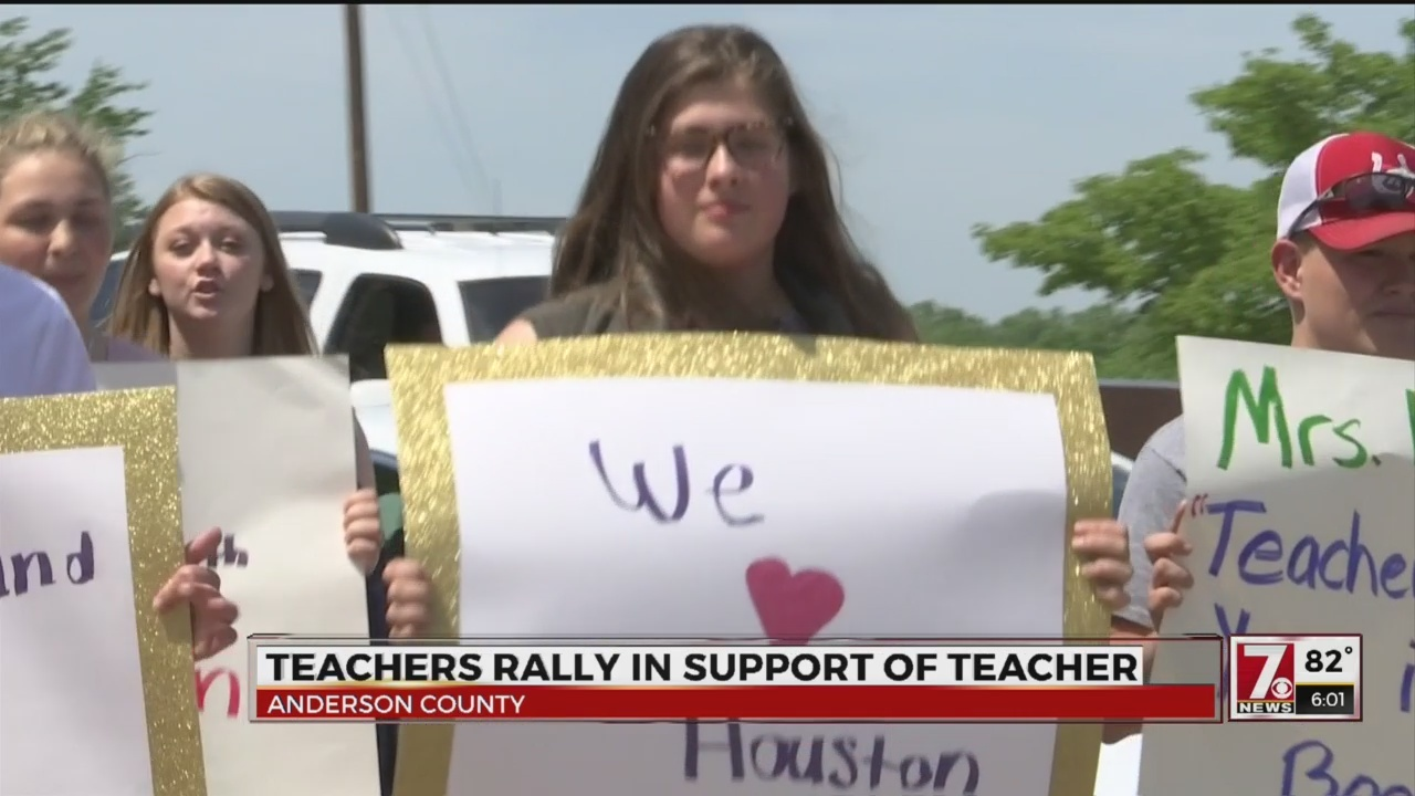 Students__community_rally_in_support_of__0_20180503234811