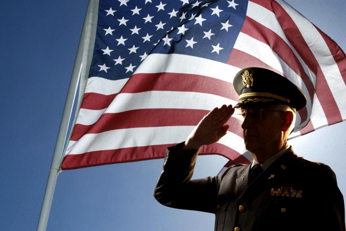 veter-flag-salute_486596