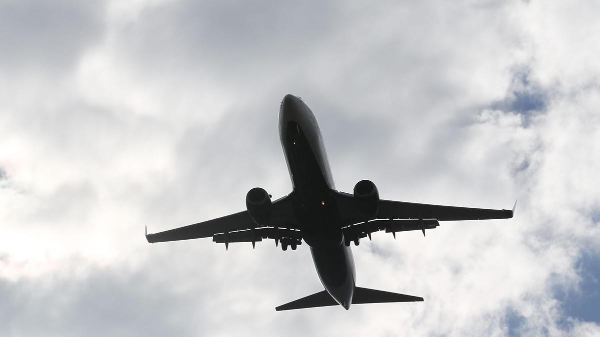 107846315-airplane-generic_519256
