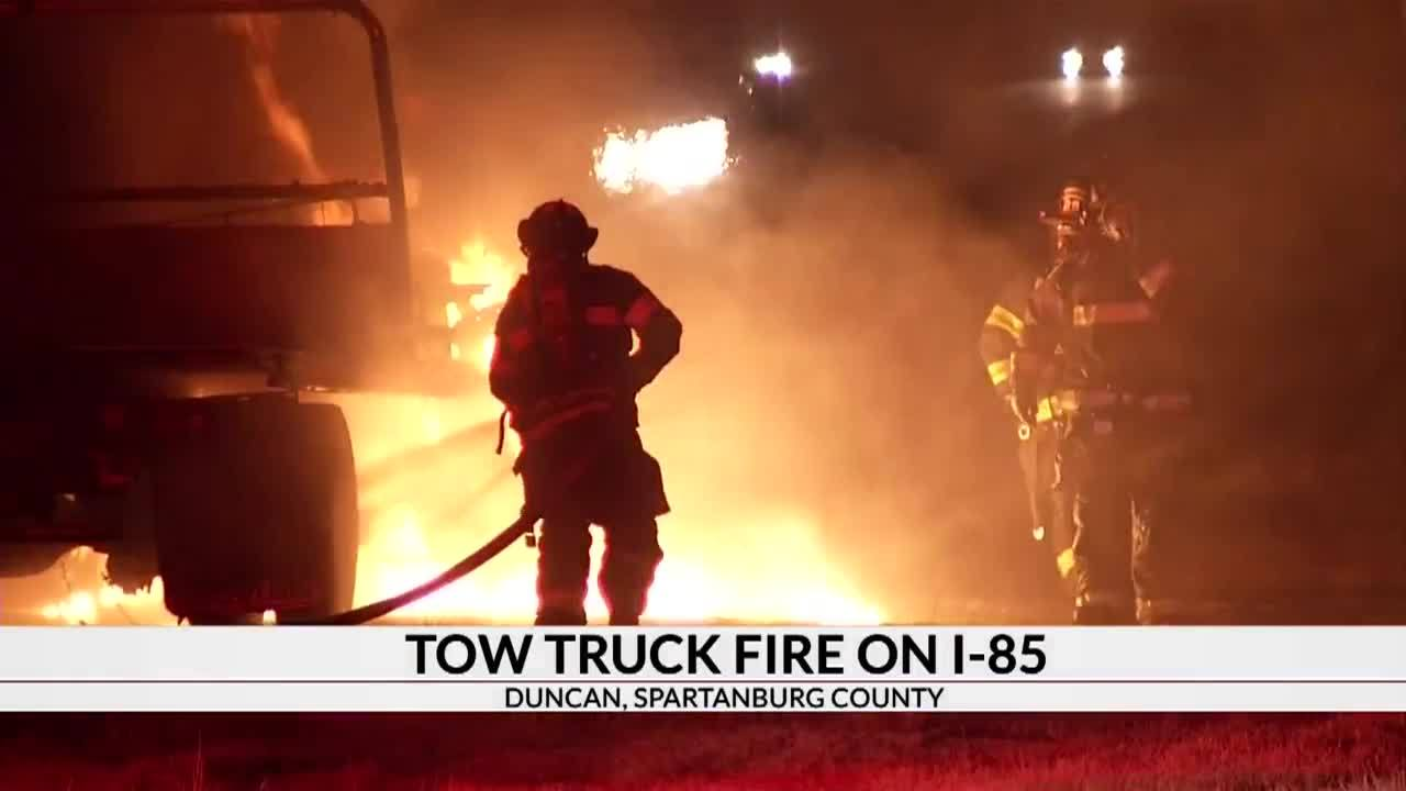 Tow_truck_catches_fire_on_I_85_4_20190129172622