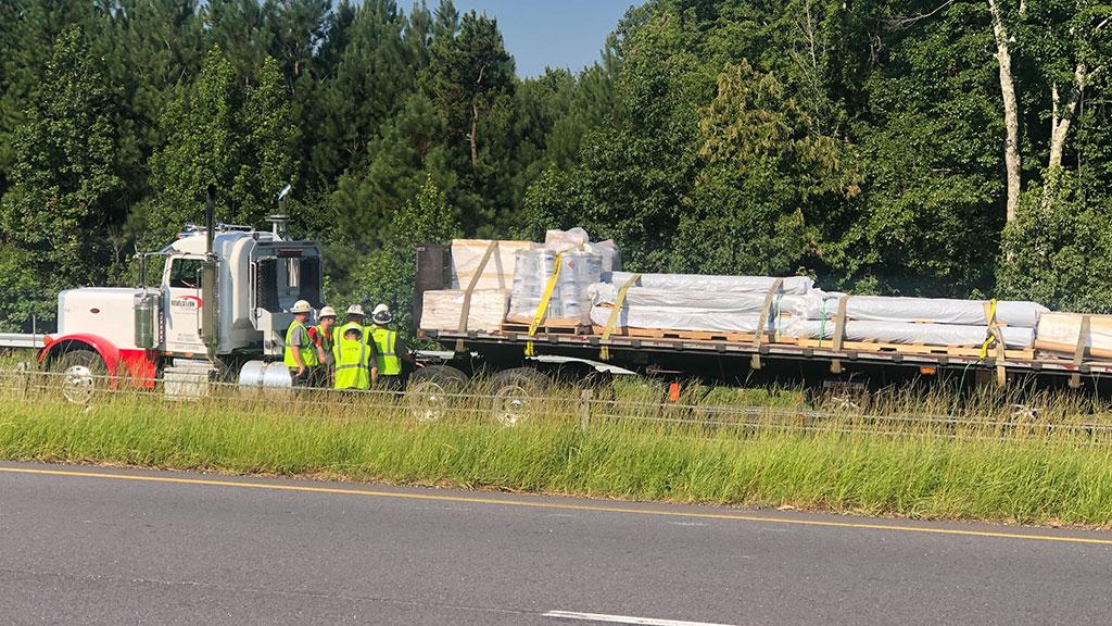 1 eastbound lane reopened after tractor trailer crash on I