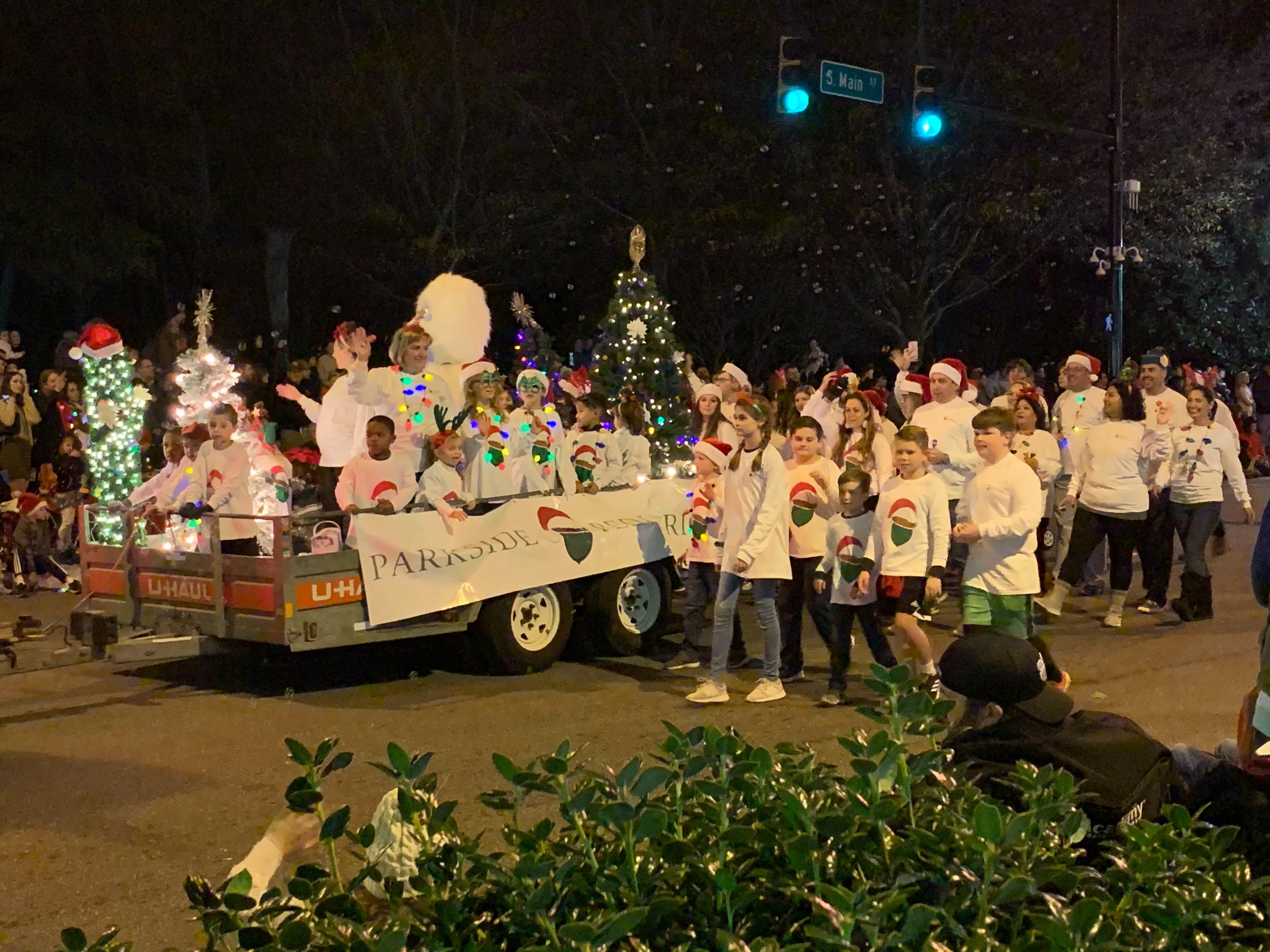 2021 Greenville Sc Christmas Parade Photos Greenville Poinsettia Christmas Parade