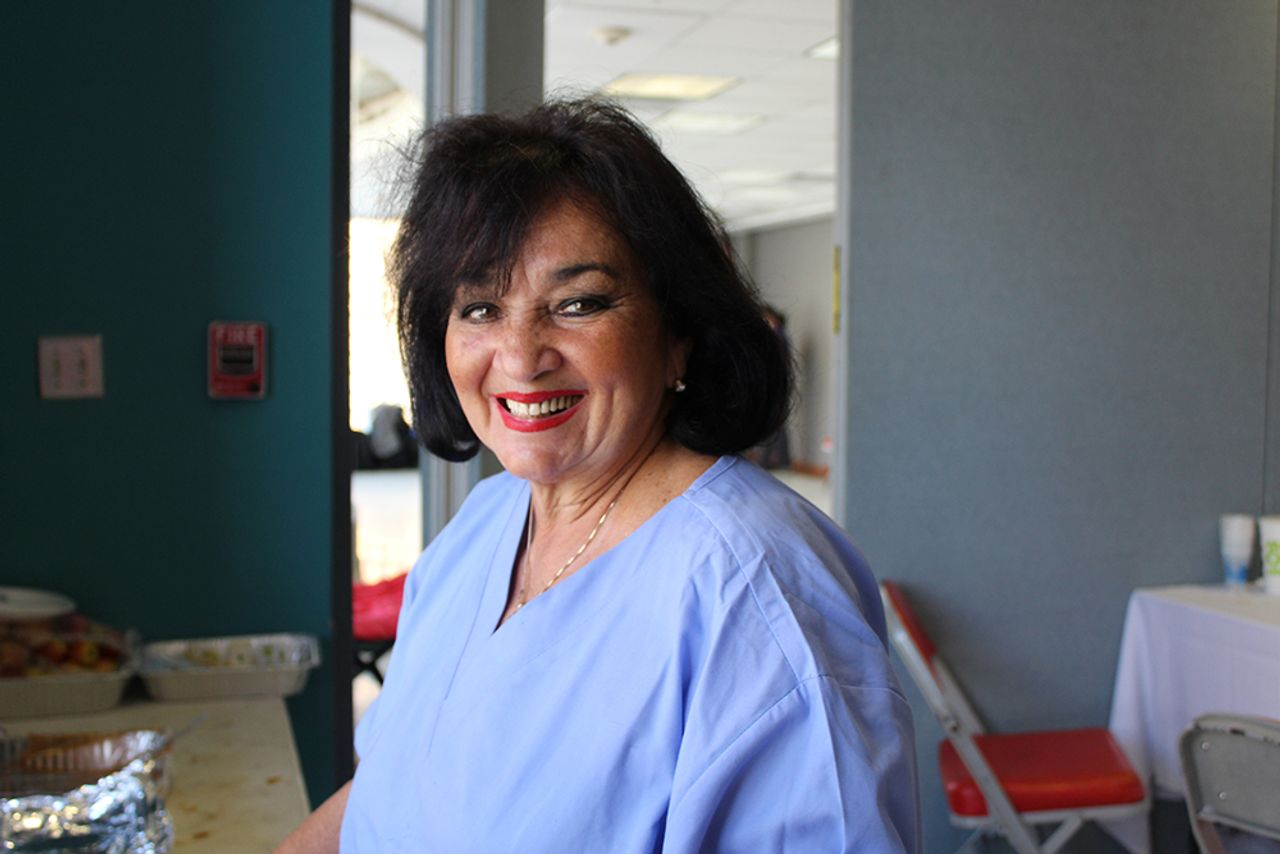 Dr. Gloria Lopez