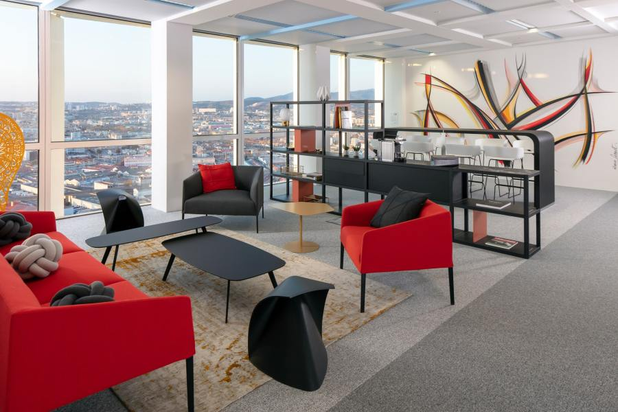 Location salle de réunion équipée à Marseille Tour La Marseillaise | Sky Center