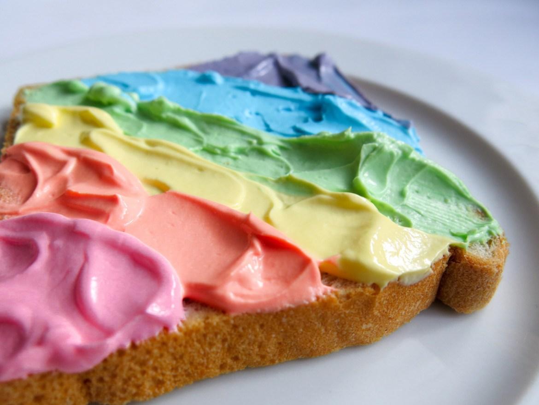 Rainbow Toast selber machen