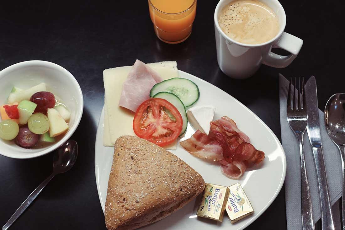 Breakfast Premier Inn Frankfurt