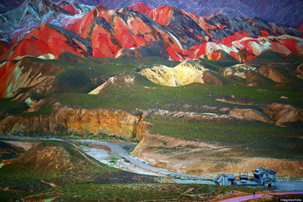 Rainbow_mountain_Zhangye_Danxia_08