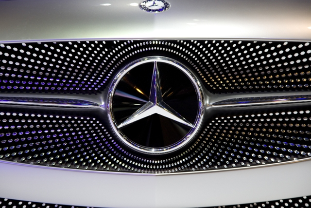 Mercedes-Benz_81700