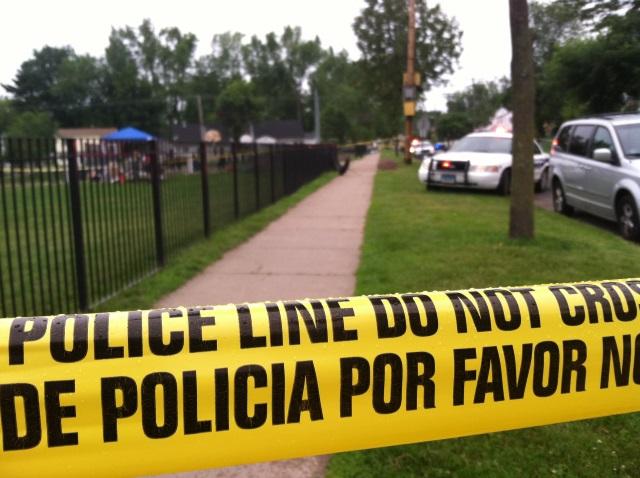 2015-06-27 Hartford shooting Holcomb Street_135357