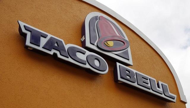 2 men rob taco