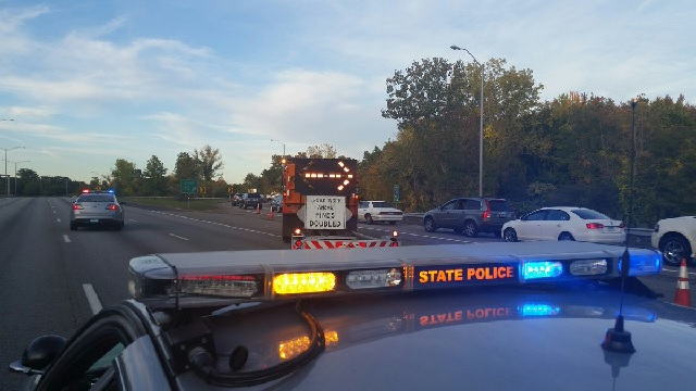 1 dead in 2-car crash on I-91 in Windsor Locks
