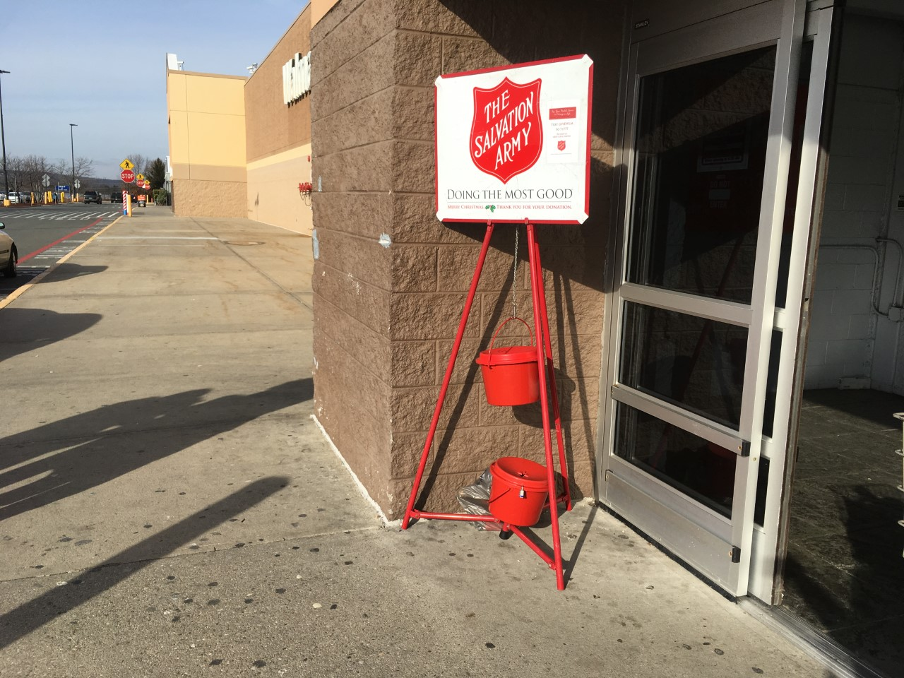 salvation-army-big-donation-2_367924