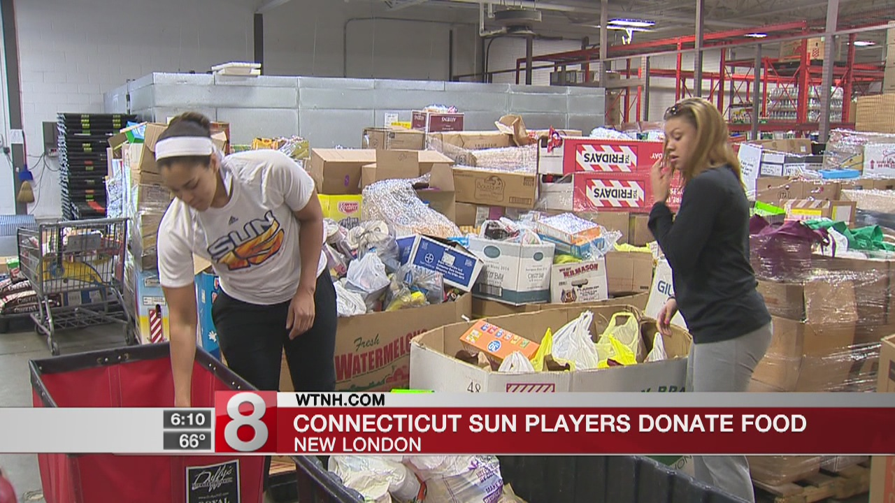 Connecticut Sun players donate food, school supplies in New London, Middletown