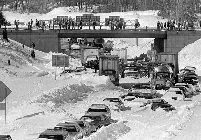 WINTER SNOW BLIZZARD 1978_614295