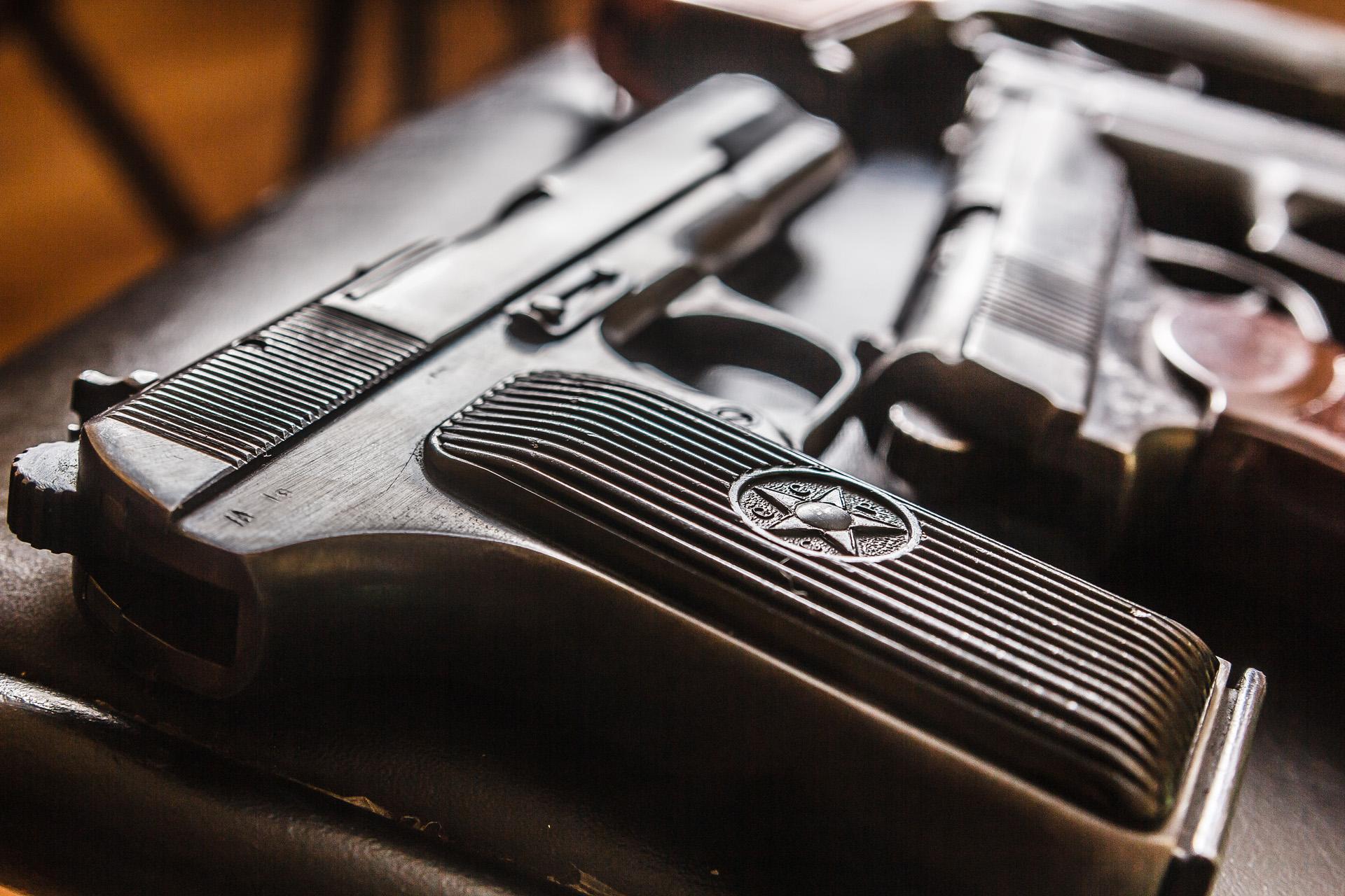 Handguns guns generic.jpg
