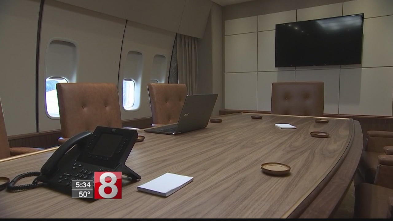 """New museum gives people a chance to experience """"Air Force One"""""""