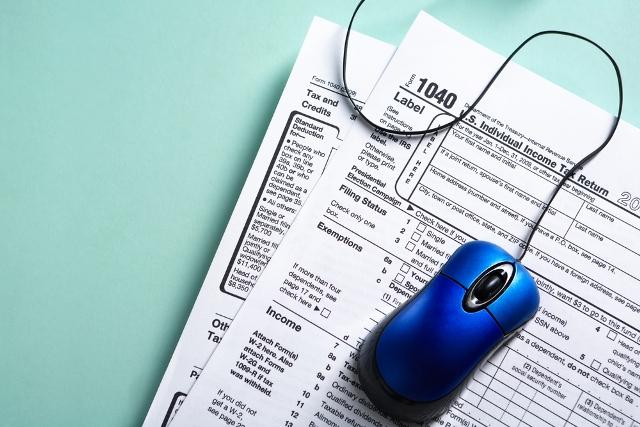 taxes online generic shutterstock_75170