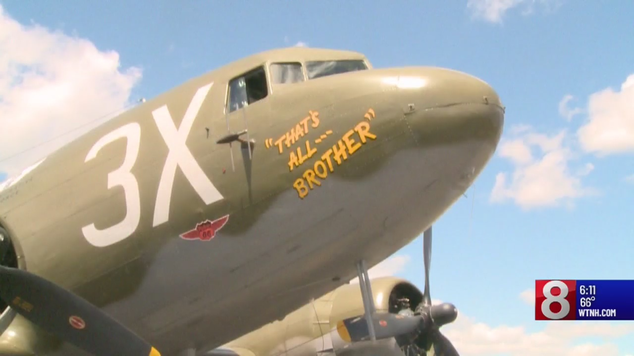 Vintage WWII airplanes fly Over Oxford